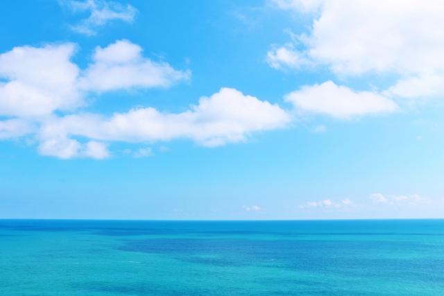 高知県の足摺岬から見た海と空