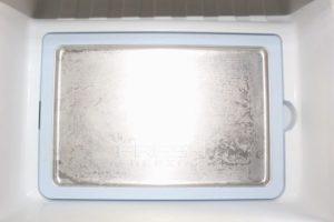 自宅の冷蔵庫の新鮮凍結プレート。